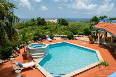 Vakantie Bonaire met verblijf in Goood Resort o.b.v. logies. Vliegreis met TUIfly