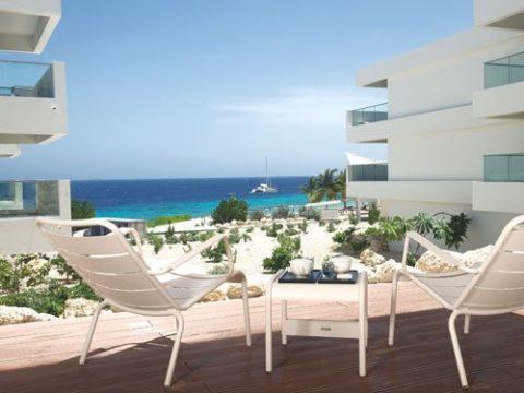 Vakantie aan de Jan Thiel Baai met verblijf in een 4-sterren hotel o.b.v. logies. Vliegreis met TUIfly.