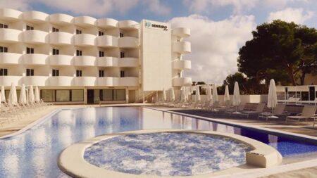 Fido Tucan Hotel